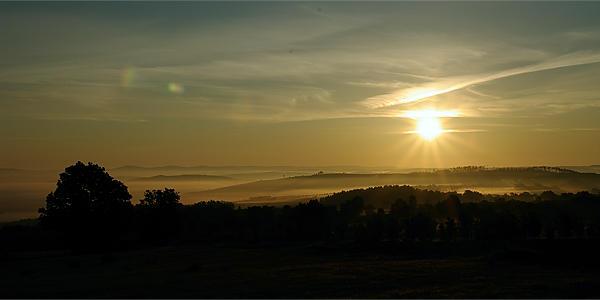 Sonnenaufgang ~ auf den Himmel belichtet