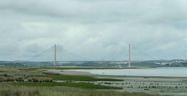 Hängebrücke über den Guadiana ~ Grenze zwischen Spanien und Portugal