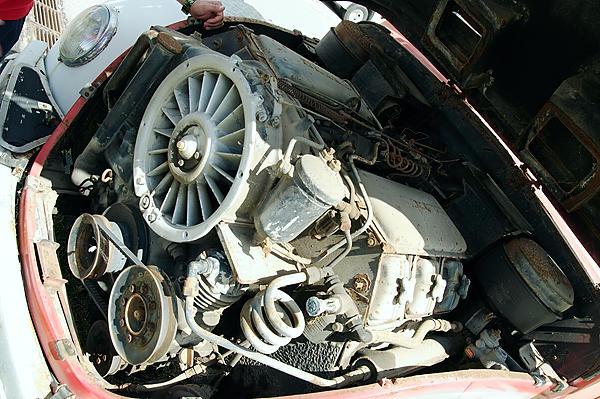 V6 anstatt 6 in Reihe ~ der ebenfalls luftgekühlte Motor
