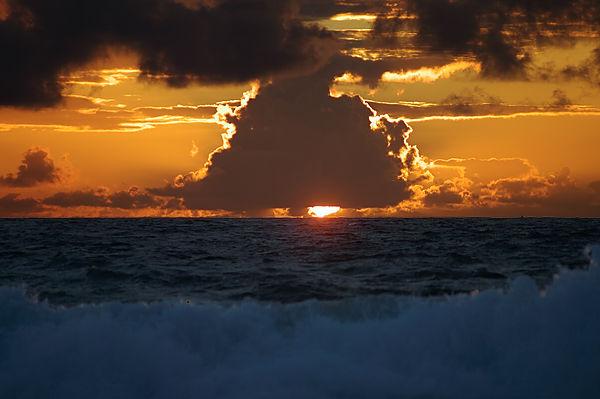 Versteckspiel ~ Sonnenuntergang über dem Atlantik