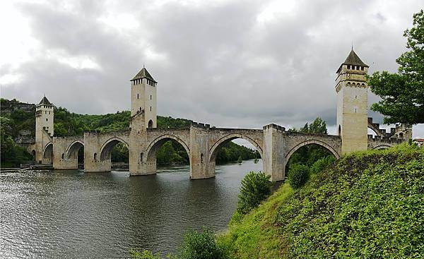 Pont Valentré über den Lot
