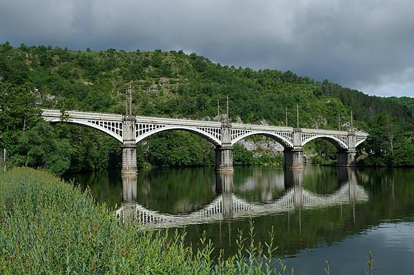 Cahors ~ Eisenbahnbrücke über den Lot