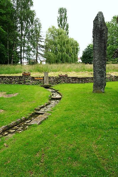 Trockengelegt ~ Source de la Saône ~ Quelle der Saône
