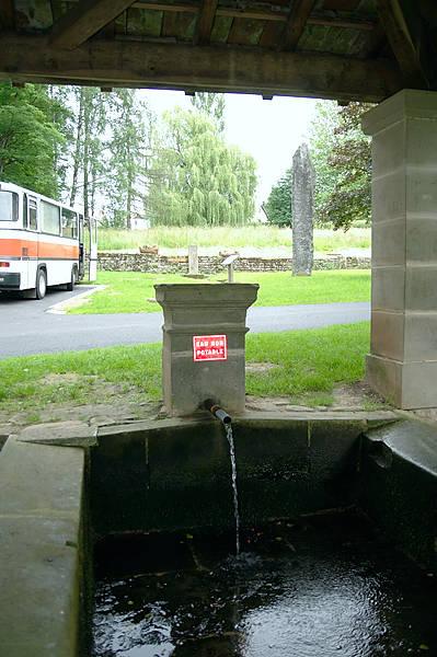 Rinnsal am Waschplatz . . .