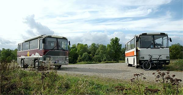 Magirus 130/R81 (1978) und Magirus 120/R80 (1973) zufälliges Treffen am Rhein