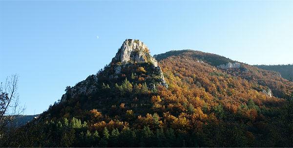 . . . auch oben eindrucksvolle Felslandschaft . . .