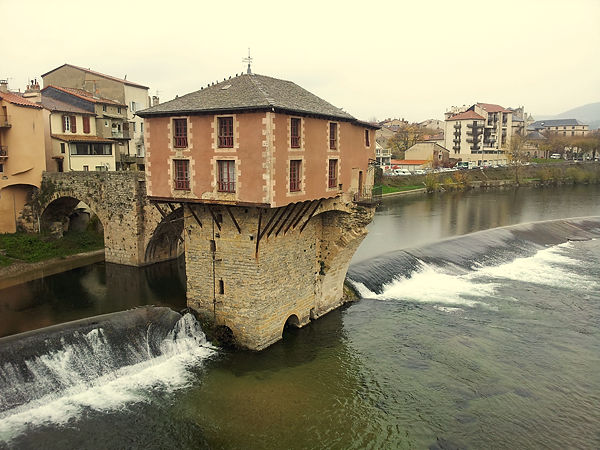 . . . eine alte Mühle über dem Tarn . . .