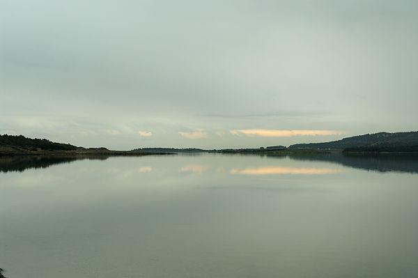 Der See ein Spiegel . . .