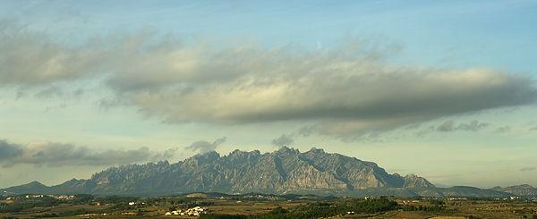 Montserrat aus der Ferne . . .