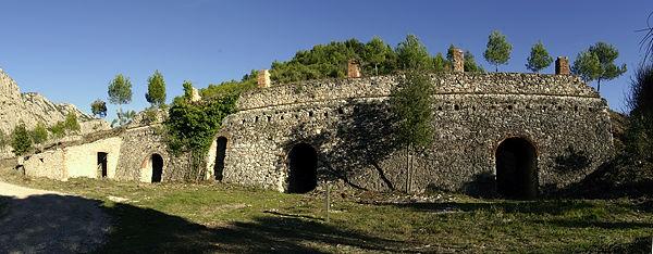 Collbato ~ alter Kalkofen mit drei Kammern