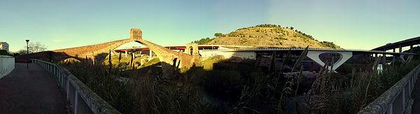 Eingezwängt ~ Pont del Diable