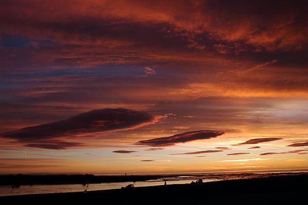 Morgenstimmung an einem Nebenabfluß des Ebro, vor Sonnenaufgang . . .