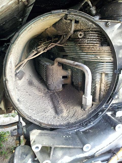 das mag kein luftgekühlter Motor ~ Staub und Dreck von 40 Jahren