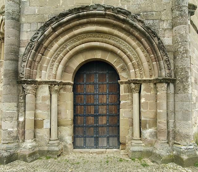 Santa Maria de Eunate ~ Portal