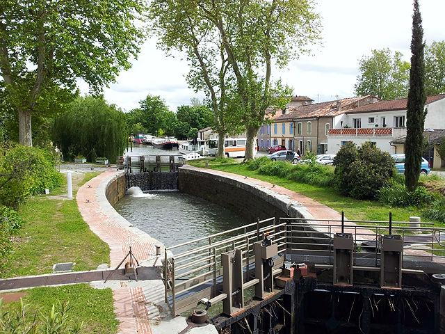 Canal du Midi ~ Ecluse de Gardouch ~ Suchbild mit Bus