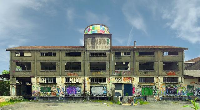 vor 33 Stunden ~ verlassene Fabrik in Pau