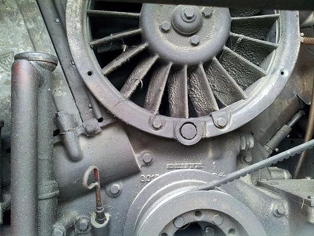 . . . Gaston hat einen Motor von Deutz! Aber dieselelektrischen Antrieb!