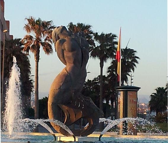 Meerjungfrau am Strand von Almeria