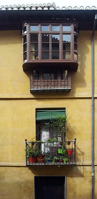 Balkon geht auch verglast . . .