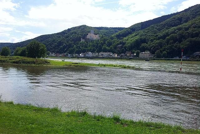 vorne Lahn, hinten Rhein