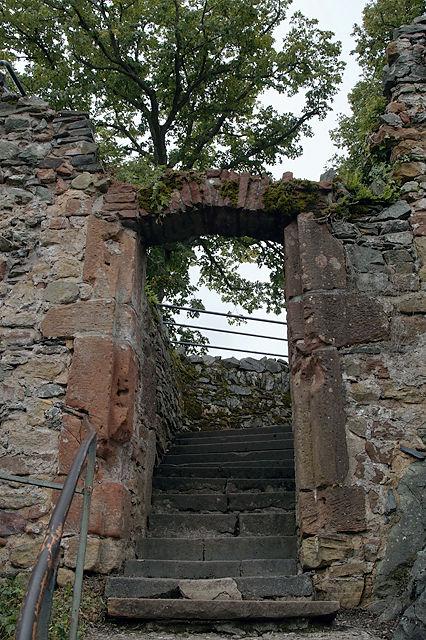 Torbogen innerhalb der Saarburg