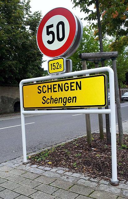 Schengen ~ Europa wächst zusammen ~ und grenzt sich ab