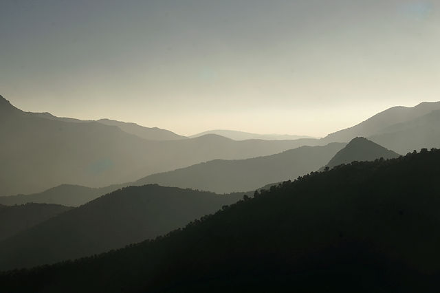 Bergketten im Gegenlicht I