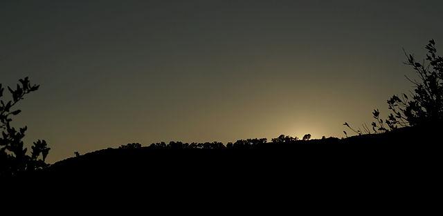 da war sie grad noch ~ Silhuette des Bergkamms nach Sonnenuntergang