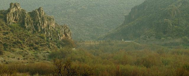 Pantano de Isabel II ~ Staumauer vom 'See' aus gesehen