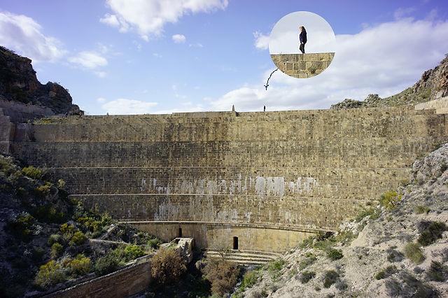Staumauer des Pantano de Isabel II ~ die Frau oben ist nicht die Königin, eignet sich aber gut als Größenmaßstab ;)