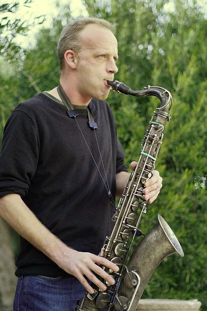 abends mit Musik ~ gepflegter Jazz mit Saxophon . . .