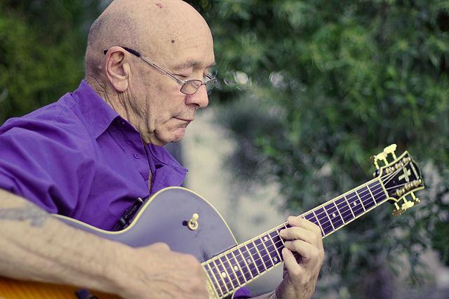 . . . und Gitarre