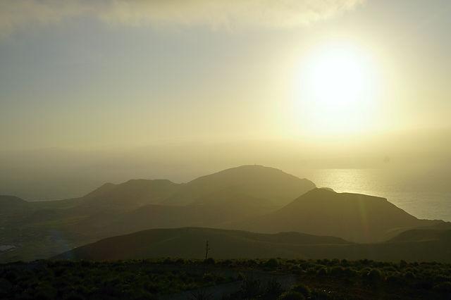 gegen die Sonne ~ über die Berge ~ das Meer