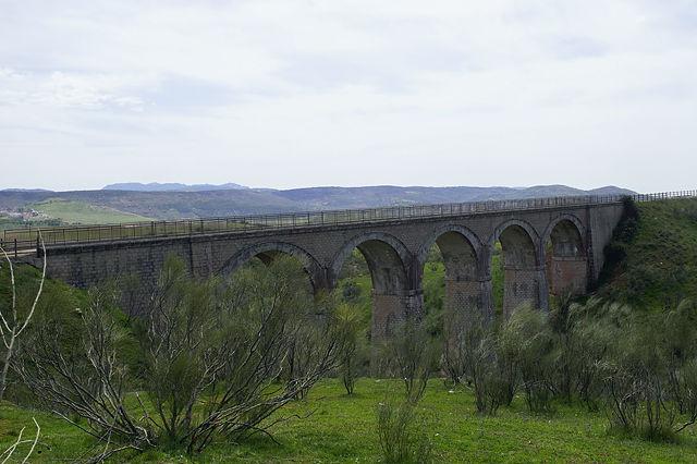 eines der Viadukte, über das die Via Verde führt