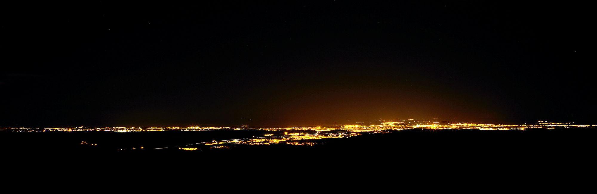 * Blick auf Zaragoza bei Nacht *