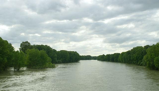 La Garonne westlich Toulouse ~ gut gefüllt