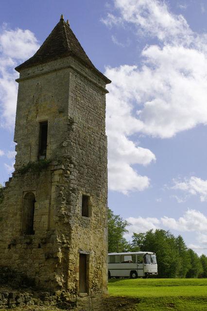 Saint Nicolas ~ Turm und alter Herr Magirus