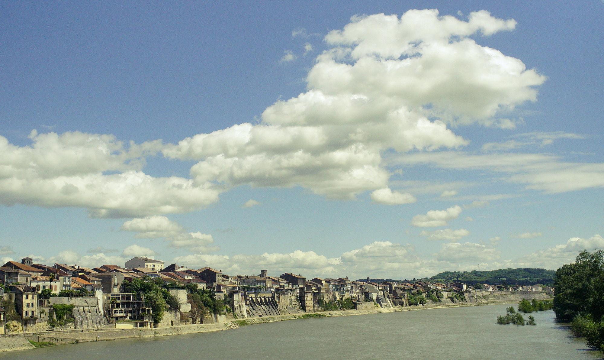 * Zeitsprung zurück zum Sonntag ~ Postkartenbild von Castillon-la-Bataille *