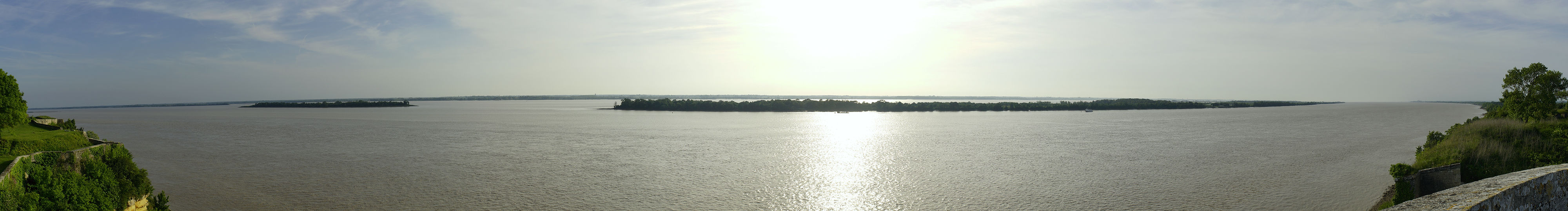 * Dordogne? Garonne? Gironde! Panorama Blick von der Citadelle de Blaye aus *