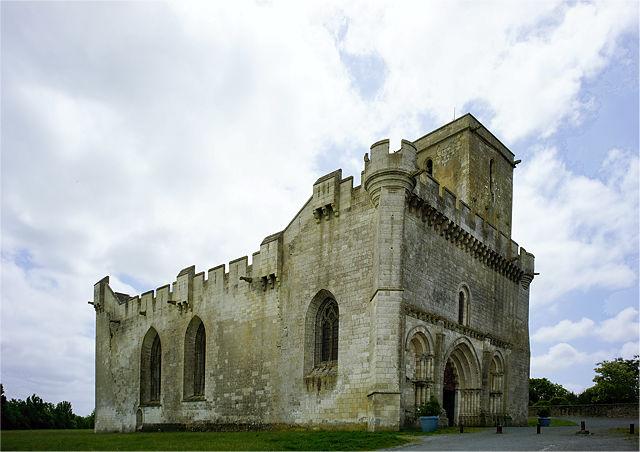 Wehrkirche Église Saint-Martin d'Esnandes
