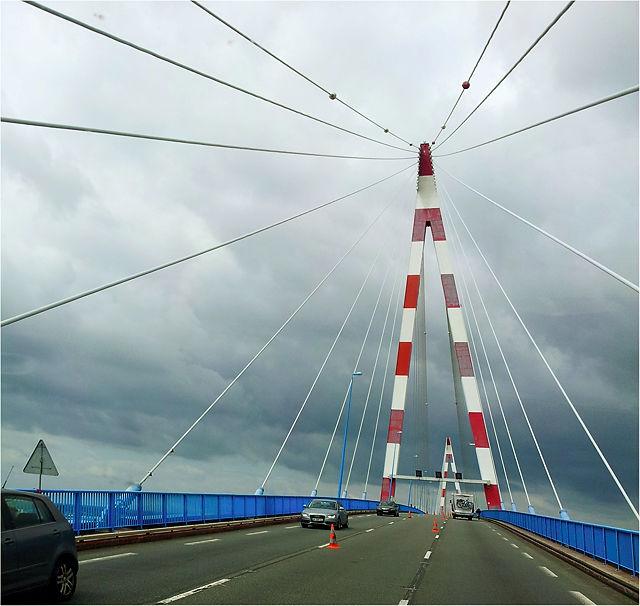 über die Hängebrücke von St-Nazaire