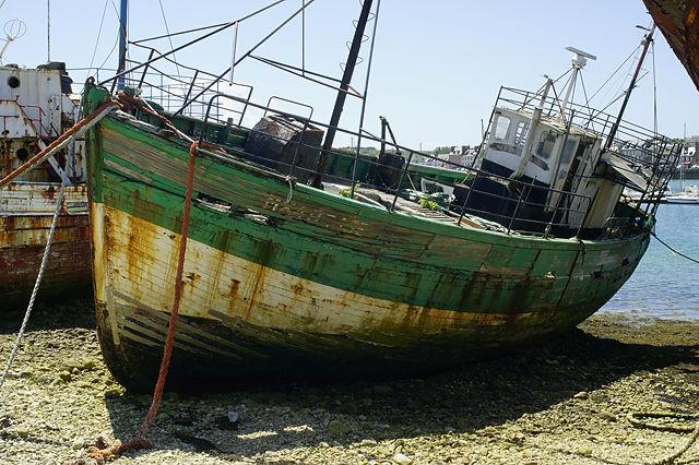 Ruhe nach ein em arbeitsamen Leben ~ Fischerboote im Hafen von Camaret sur Mer