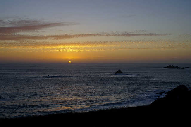 Sonnenuntergang über dem Atlantik ~ halb abgetaucht, 22:10