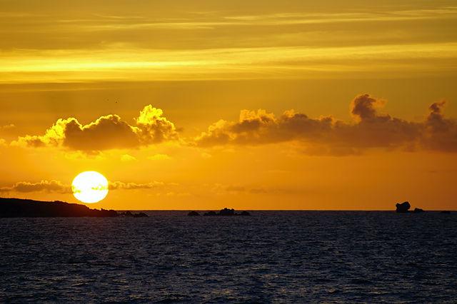 * Sonnenuntergang, aus dem Bus geschossen ~ mit Klicküberraschung *