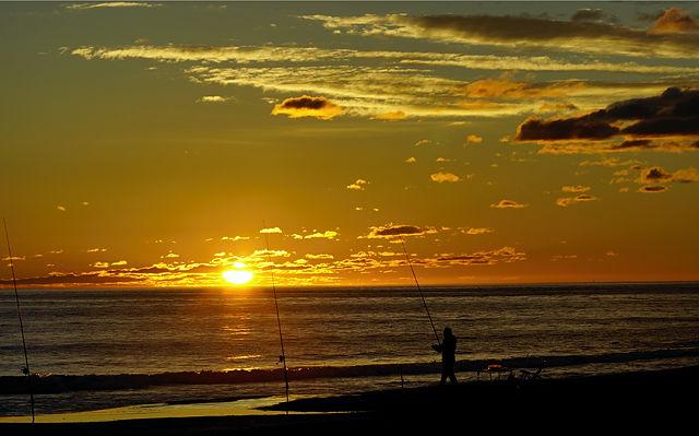 heute morgen ~ Sonnenaufgang mit Angler
