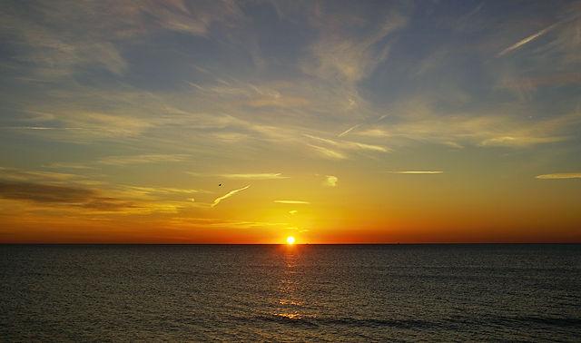 Sonnenaufgang über dem Meer