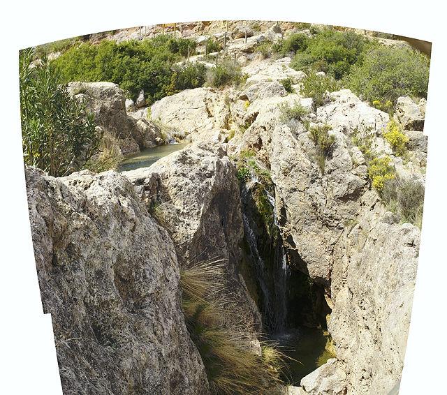 muß ein Bild vier Ecken haben?  Becken, kleiner Wasserfall, Becken