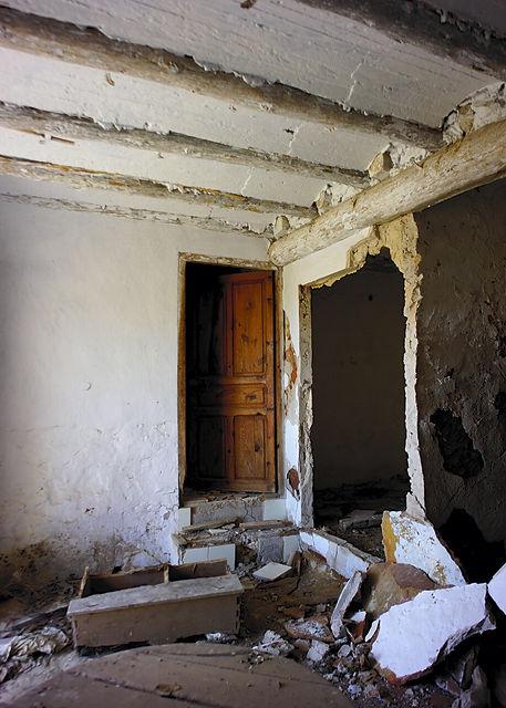 verlassenes Bauernhaus ~ Erdgeschoß, Eingangsbereich