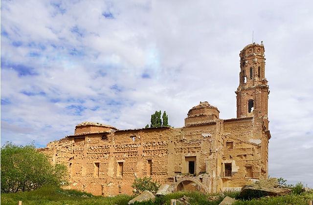 Belchite ~ zerschossene Kirche