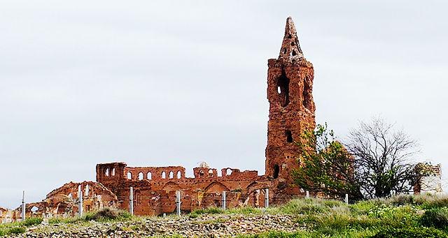 Belchite ~ zweite zerschossene Kirche